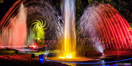 Großes Lichterfest: Symphonie aus Wasser & Licht & Kurpark-Illumination