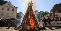 Alles bleibt wie bisher: Lollsfeuer brennt weiter bis zum Sonntag