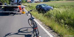Überholvorgang gescheitert: BMW kollidiert auf L 3141 mit zwei Radfahrern