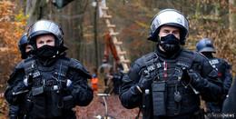 Jetzt wird es ernst! Polizei beginnt mit Räumung im Dannenröder Forst