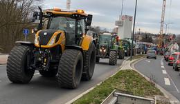 Infos zum Verkehrschaos  - Landwirte legen die Barockstadt lahm