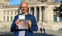 MdB Michael Brand empfiehlt neues Bundestagsbuch zur Friedlichen Revolution