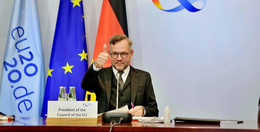 Deutschlands Kopf der EU-Ratspräsidentschaft: Michael Roth (SPD) zieht Bilanz