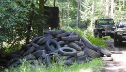1.000 Reifen im Wald: Kripo ermittelt! Droht dem Täter sogar das Gefängnis?