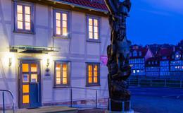 Jüdisches Museum und evangelische Kirchen in Rotenburg leuchten in der Nacht