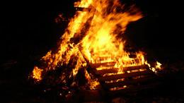 Stadt Fulda muss Hutzelfeuer absagen – Hinweise zu Silvester