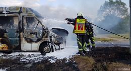 Heißkalte Fracht: Eismobil geht in Flammen auf