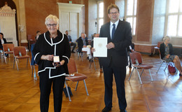 Starke Persönlichkeit: Monika Hauß-Schmid erhält Bundesverdienstkreuz