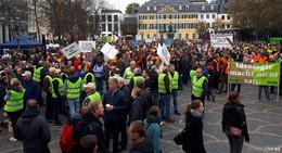 Bauernprotest: Osthessische Landwirte fahren mit dem Traktor nach Bonn