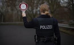Verkehrskontrollen auf der A7: 129 Bußgeldverfahren und 61 Fahrverbote