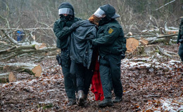 Widerstand und Festnahmen: Mit der Polizei unterwegs im Dannenröder Forst