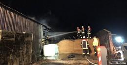 Maschinenhalle in Stumpertenrod niedergebrannt - Großeinsatz Feuerwehr