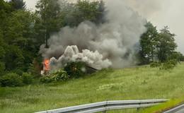 Verlassenes Ferienhaus brennt völlig nieder - Ursache unklar