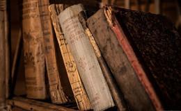 Theologische Fakultät sichert Kulturgut der Franziskanerbibliothek