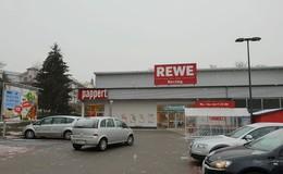 Überfall auf Rewe: Fünf Angestellte eingesperrt und mit Pistole bedroht