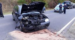 Unfall auf der B 62 - Auto prallt gegen Lastwagen