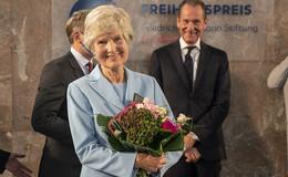 In der Paulskirche: Friede Springer erhält Freiheitspreis