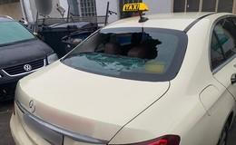 Wegen 10 Euro! Angriff auf Taxi mit Eisenstange - Fahrer schwerverletzt
