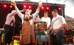Pfingstmarkt: Stadt kündigt Festzeltwirt fristlos - Einigung mit Thomas Bronswyk