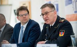 Feuerwehr-Präsident Hartmut Ziebs (60) tritt zurück - schlimmste Krise