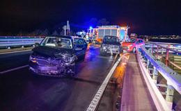 Unfall am Autobahnzubringer: Frau verfährt sich und wendet - zwei Verletzte