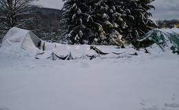 Zu hohe Schneelast: Rundbogenhalle stürzt in sich zusammen