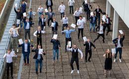 Auf dem Sprung ins Leben: Ferdinand-Braun-Schule verabschiedet Abijahrgang