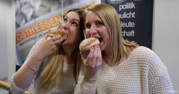 Nina und Luisa wieder on Tour: Bewerbungen für Tag des Notrufs