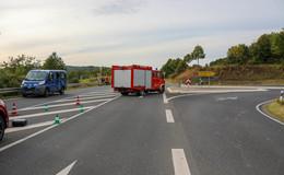 Schwerer Unfall auf der B254: Motorradfahrer (20) schwer verletzt