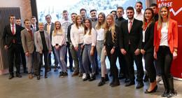 Schüler der Konrad-Zuse-Schule gewinnen beim Planspiel Börse der Sparkasse
