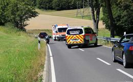 Alleinunfall auf Landstraße in Iba: Motorradfahrer stürzt und verletzt sich