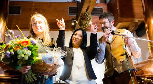 Hunderte Stammgäste gratulieren der Wiesenmühle: Live-Musik, Festbier & Co.