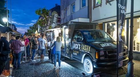 Einmal durch die ganze Welt schlemmen: Street-Food-Festival kommt gut an
